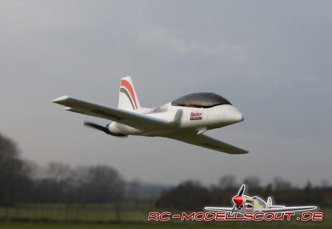 Test: EPP-Wurfglider Mini-Viper als RC-Jet mit HACKER Antriebs-Combo