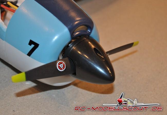 Test: Spassgerät Nano-Racer F4F Wildcat von robbe Modellsport inklusive Antriebsakku