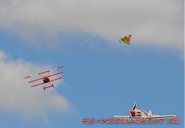 Test: In der Luft mit Manfred von Richthofen. Die Fokker DR1 von robbe Modellsport